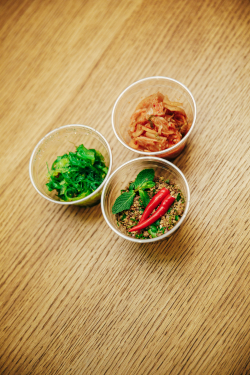 kimchi wakame kachní salát